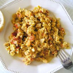 Jajecznica z kiełbasą
